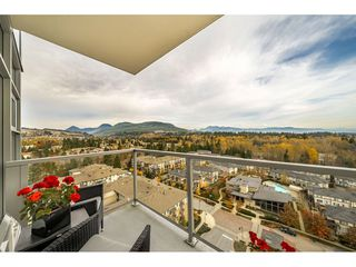 "Photo 19: 1807 3102 WINDSOR Gate in Coquitlam: New Horizons Condo for sale in ""CELADON"" : MLS®# R2419088"