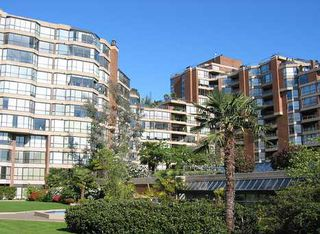 "Photo 2: 204 1490 PENNYFARTHING Drive in Vancouver: False Creek Condo for sale in ""HARBOUR COVE"" (Vancouver West)  : MLS®# V872737"