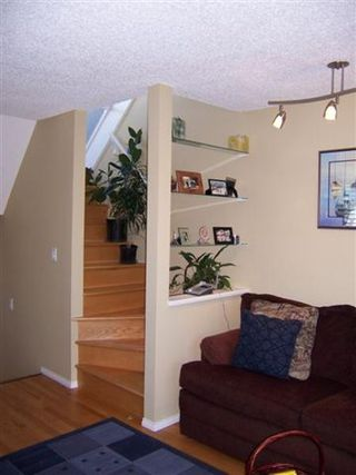 Photo 20: Fabulous 2BR Townhouse in Fairview!
