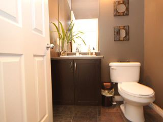 Photo 2: 6420 3 AV SW in EDMONTON: Zone 53 House for sale (Edmonton)  : MLS®# E3295438