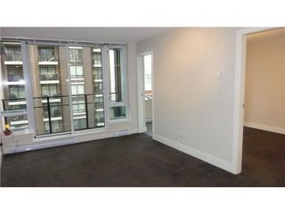 Photo 4: 714 1088 RICHARDS Street in Vancouver: Yaletown Condo for sale (Vancouver West)  : MLS®# V990147