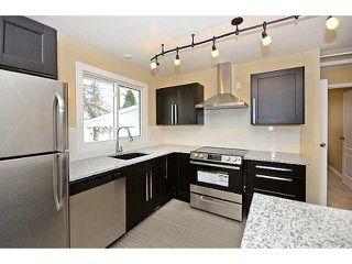 Photo 4: 10 BLACKTHORN Place NE in CALGARY: Thorncliffe Residential Detached Single Family for sale (Calgary)  : MLS®# C3591166