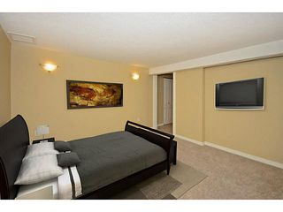 Photo 13: 10 BLACKTHORN Place NE in CALGARY: Thorncliffe Residential Detached Single Family for sale (Calgary)  : MLS®# C3591166