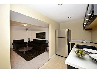 Photo 10: 10 BLACKTHORN Place NE in CALGARY: Thorncliffe Residential Detached Single Family for sale (Calgary)  : MLS®# C3591166
