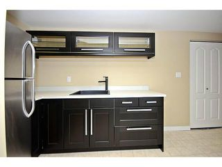 Photo 12: 10 BLACKTHORN Place NE in CALGARY: Thorncliffe Residential Detached Single Family for sale (Calgary)  : MLS®# C3591166