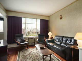 Photo 3: 47 E 46TH Avenue in Vancouver: Main House for sale (Vancouver East)  : MLS®# V1055431