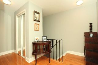 Photo 5: 1 140 Ripley Court in Oakville: College Park House (2-Storey) for sale : MLS®# W2942554
