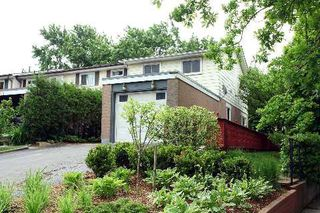 Photo 1: 1 140 Ripley Court in Oakville: College Park House (2-Storey) for sale : MLS®# W2942554