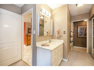 """Photo 14: 101 325 W 3RD Street in North Vancouver: Lower Lonsdale Condo for sale in """"HARBOURVIEW"""" : MLS®# V1110069"""