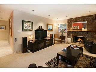 """Photo 5: 101 325 W 3RD Street in North Vancouver: Lower Lonsdale Condo for sale in """"HARBOURVIEW"""" : MLS®# V1110069"""