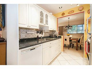 """Photo 10: 101 325 W 3RD Street in North Vancouver: Lower Lonsdale Condo for sale in """"HARBOURVIEW"""" : MLS®# V1110069"""