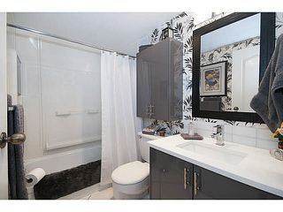 """Photo 15: 101 325 W 3RD Street in North Vancouver: Lower Lonsdale Condo for sale in """"HARBOURVIEW"""" : MLS®# V1110069"""