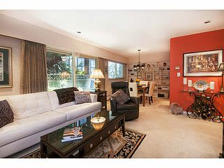 """Photo 3: 101 325 W 3RD Street in North Vancouver: Lower Lonsdale Condo for sale in """"HARBOURVIEW"""" : MLS®# V1110069"""