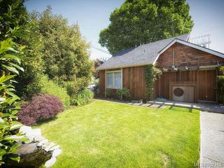 Photo 2: 115 Cliffe Ave in COURTENAY: CV Courtenay City House for sale (Comox Valley)  : MLS®# 702318