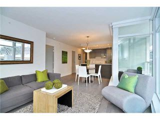"Photo 2: 2308 161 W GEORGIA Street in Vancouver: Downtown VW Condo for sale in ""Cosmo"" (Vancouver West)  : MLS®# R2032266"