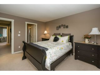 "Photo 15: 77 18983 72A Avenue in Surrey: Clayton Townhouse for sale in ""KEW"" (Cloverdale)  : MLS®# R2034361"