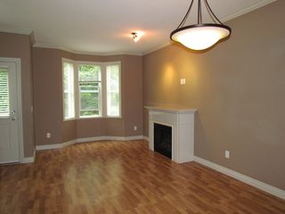 "Photo 5: 20 33321 GEORGE FERGUSON Way in Abbotsford: Central Abbotsford Townhouse for sale in ""Cedar Lane"" : MLS®# R2034080"