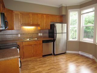 "Photo 3: 20 33321 GEORGE FERGUSON Way in Abbotsford: Central Abbotsford Townhouse for sale in ""Cedar Lane"" : MLS®# R2034080"