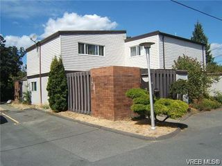 Photo 1: 130 984 Dunford Ave in VICTORIA: La Langford Proper Row/Townhouse for sale (Langford)  : MLS®# 723552