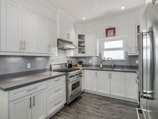 Photo 6: 865 E 10TH Avenue in Vancouver: Mount Pleasant VE House 1/2 Duplex for sale (Vancouver East)  : MLS®# R2068935