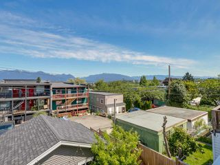 Photo 17: 865 E 10TH Avenue in Vancouver: Mount Pleasant VE House 1/2 Duplex for sale (Vancouver East)  : MLS®# R2068935