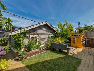 Photo 16: 865 E 10TH Avenue in Vancouver: Mount Pleasant VE House 1/2 Duplex for sale (Vancouver East)  : MLS®# R2068935