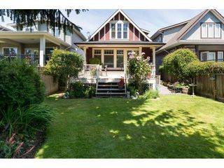 Photo 2: 15454 GOGGS Avenue: White Rock House for sale (South Surrey White Rock)  : MLS®# R2080241