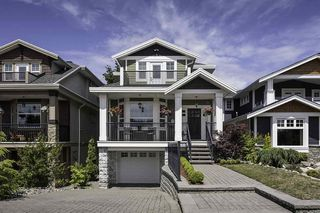 Photo 1: 15555 GOGGS Avenue: White Rock House for sale (South Surrey White Rock)  : MLS®# R2082032