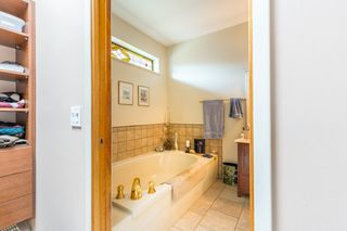 Photo 12: 9206 REGAL Road in Halfmoon Bay: Halfmn Bay Secret Cv Redroofs House for sale (Sunshine Coast)  : MLS®# R2082478