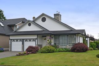 """Photo 1: 21516 87A Avenue in Langley: Walnut Grove House for sale in """"Forest Hills"""" : MLS®# R2083741"""