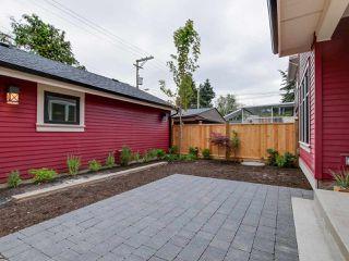 Photo 2: 548 E 10TH Avenue in Vancouver: Mount Pleasant VE House 1/2 Duplex for sale (Vancouver East)  : MLS®# R2085035