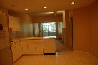 Photo 5: 112 7600 MOFFATT Road: Brighouse South Home for sale ()  : MLS®# V667132