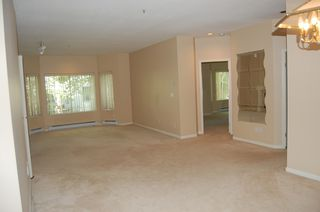 Photo 8: 112 7600 MOFFATT Road: Brighouse South Home for sale ()  : MLS®# V667132