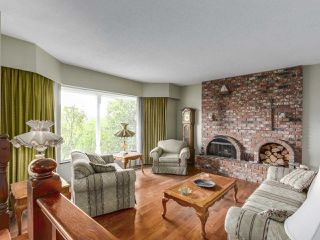 Photo 3: 677 N DOLLARTON Highway in North Vancouver: Dollarton House for sale : MLS®# R2092684