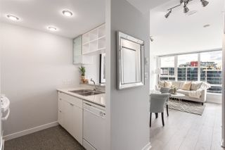 "Photo 3: 2003 939 EXPO Boulevard in Vancouver: Yaletown Condo for sale in ""THE MAX"" (Vancouver West)  : MLS®# R2102471"