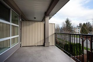 "Photo 6: 219 17769 57 Avenue in Surrey: Cloverdale BC Condo for sale in ""Clover Down Estates"" (Cloverdale)  : MLS®# R2123832"