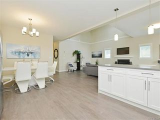 Photo 11: 2394 Lund Rd in VICTORIA: VR Six Mile Single Family Detached for sale (View Royal)  : MLS®# 747742