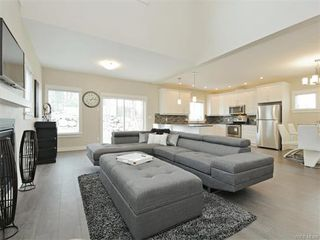 Photo 4: 2394 Lund Rd in VICTORIA: VR Six Mile Single Family Detached for sale (View Royal)  : MLS®# 747742
