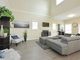 Photo 5: 2394 Lund Rd in VICTORIA: VR Six Mile Single Family Detached for sale (View Royal)  : MLS®# 747742