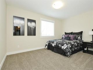 Photo 19: 2394 Lund Rd in VICTORIA: VR Six Mile Single Family Detached for sale (View Royal)  : MLS®# 747742