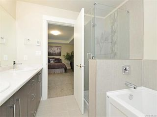Photo 17: 2394 Lund Rd in VICTORIA: VR Six Mile Single Family Detached for sale (View Royal)  : MLS®# 747742