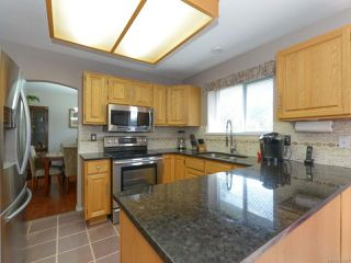 Photo 4: 1560 Beaconsfield Cres in COMOX: CV Comox (Town of) House for sale (Comox Valley)  : MLS®# 755491