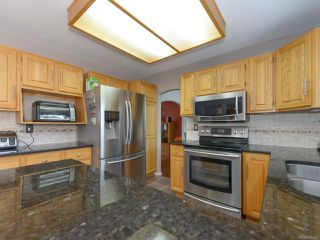 Photo 18: 1560 Beaconsfield Cres in COMOX: CV Comox (Town of) House for sale (Comox Valley)  : MLS®# 755491