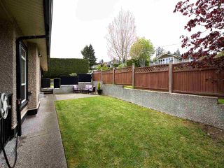 Photo 17: 390 55 Street in Delta: Pebble Hill 1/2 Duplex for sale (Tsawwassen)  : MLS®# R2162458