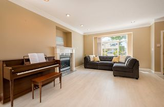 Photo 4: 6973 NAPIER Street in Burnaby: Sperling-Duthie House 1/2 Duplex for sale (Burnaby North)  : MLS®# R2173965