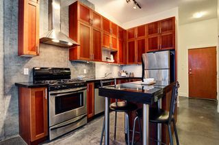 "Photo 6: 311 2635 PRINCE EDWARD Street in Vancouver: Mount Pleasant VE Condo for sale in ""SOMA LOFTS"" (Vancouver East)  : MLS®# R2181499"