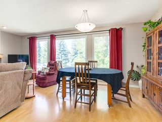 Photo 5: 87 CEDARBROOK Way SW in Calgary: Cedarbrae House for sale : MLS®# C4126859