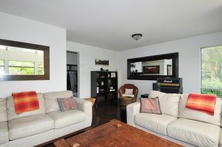 """Photo 5: 5808 MAYVIEW Circle in Burnaby: Burnaby Lake Townhouse for sale in """"ONE ARBOUR LANE"""" (Burnaby South)  : MLS®# R2193982"""