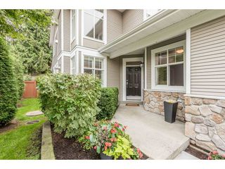 Photo 2: 35 3500 144 STREET in Surrey: Elgin Chantrell Townhouse for sale (South Surrey White Rock)  : MLS®# R2202039