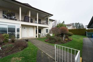 """Photo 2: 29 6467 197 Street in Langley: Willoughby Heights Townhouse for sale in """"Willow Park Estates"""" : MLS®# R2239445"""